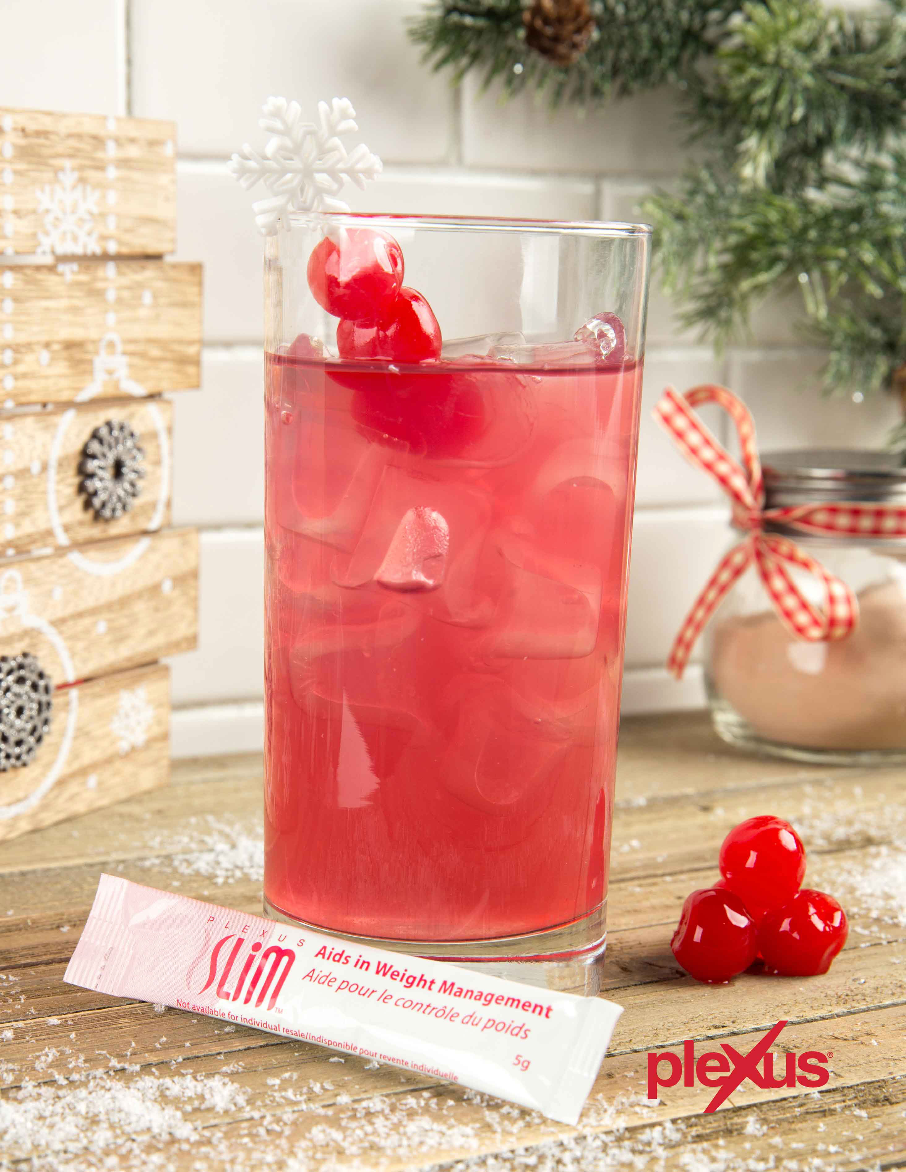 These festive non-alcoholic drinks refresh and delight drinkers who prefer non-alcoholic cocktails, while offering the health benefits and delicious natural berry flavor of Plexus Slim®.